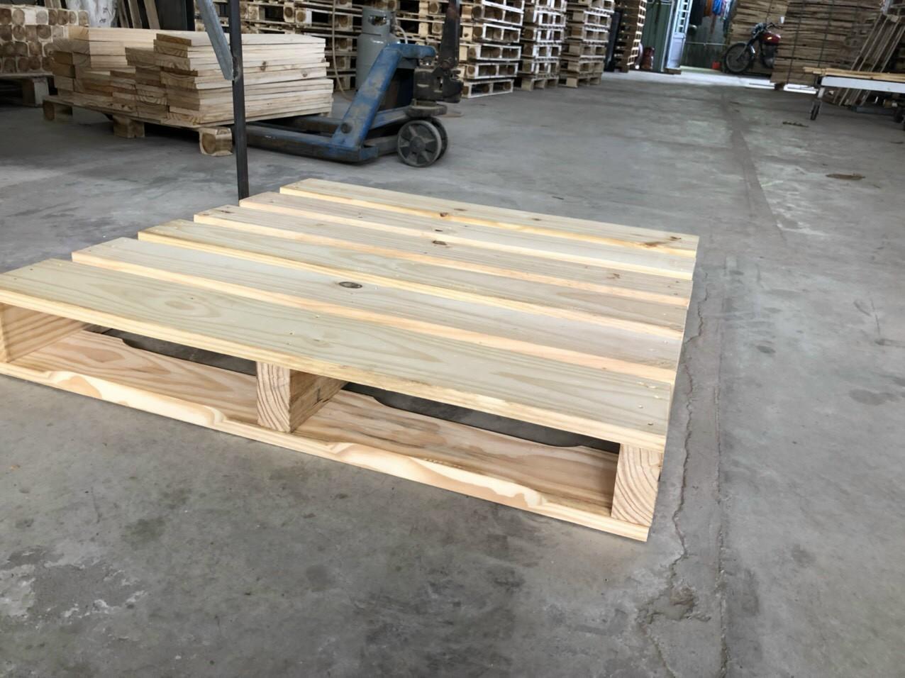 Pallet gỗ thông sấy 1000x1000x140mm